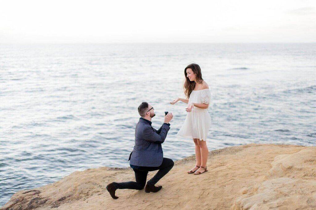 הצעת נישואין על הר בים