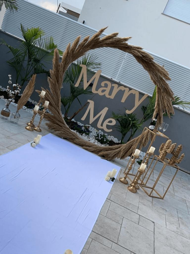 הצעת נישואין מפרחים